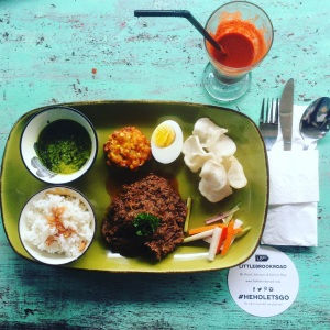 UBUD BALI INDONESIA: THE BEST PLACES WE DISCOVERED AND THINGS TO DO WHILE TRAVELING. This is Warung Bernadette, great to eat. Want to read more travel adventures, follow me on my travelblog www.littlebrookroad.com #HeHoLetsGo #wanderlust #travelblogger #blogger #traveler #backpacker #vacationtips #traveltips #sightseeing #mustdo #mustsee #traveltheworld #travelgram #traveling #traveldiaries #travelgram #travelpics #traveladdict #Backpack #adventure #ttot #hiddengem #discovery #journey @littlebrookroad