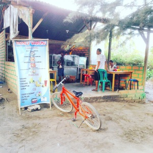 Gili Air Indonesia: Bounty Candy Bar Beach Heaven, find out what to do and what to see! Family Warung on Gili Air! Want to read more travel adventures, follow me on my travelblog www.littlebrookroad.com #HeHoLetsGo #wanderlust #travelblogger #blogger #traveler #backpacker #vacationtips #traveltips #sightseeing #mustdo #mustsee #traveltheworld #travelgram #traveling #traveldiaries #travelgram #travelpics #traveladdict #Backpack #adventure #ttot #hiddengem #discovery #journey @littlebrookroad