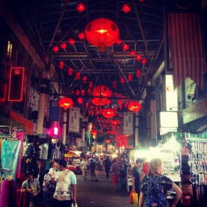 Kuala Lumpur Malaysia Discover in 3 days trendy hotels, good street food, what to do and hip shopping places in this foggy NYC look a like city www.littlebrookroad.com #HeHoLetsGo Travel Blog Jalan Petaling 2