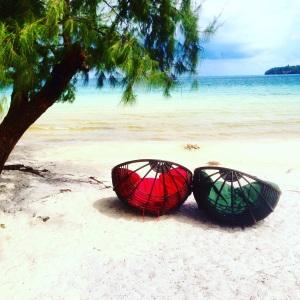 Read more on Koh Rong Sanloem plus Southeast Asia on my Travel Blog www.littlebrookroad.com #HeHoLetsGo LittleBrookRoad 4