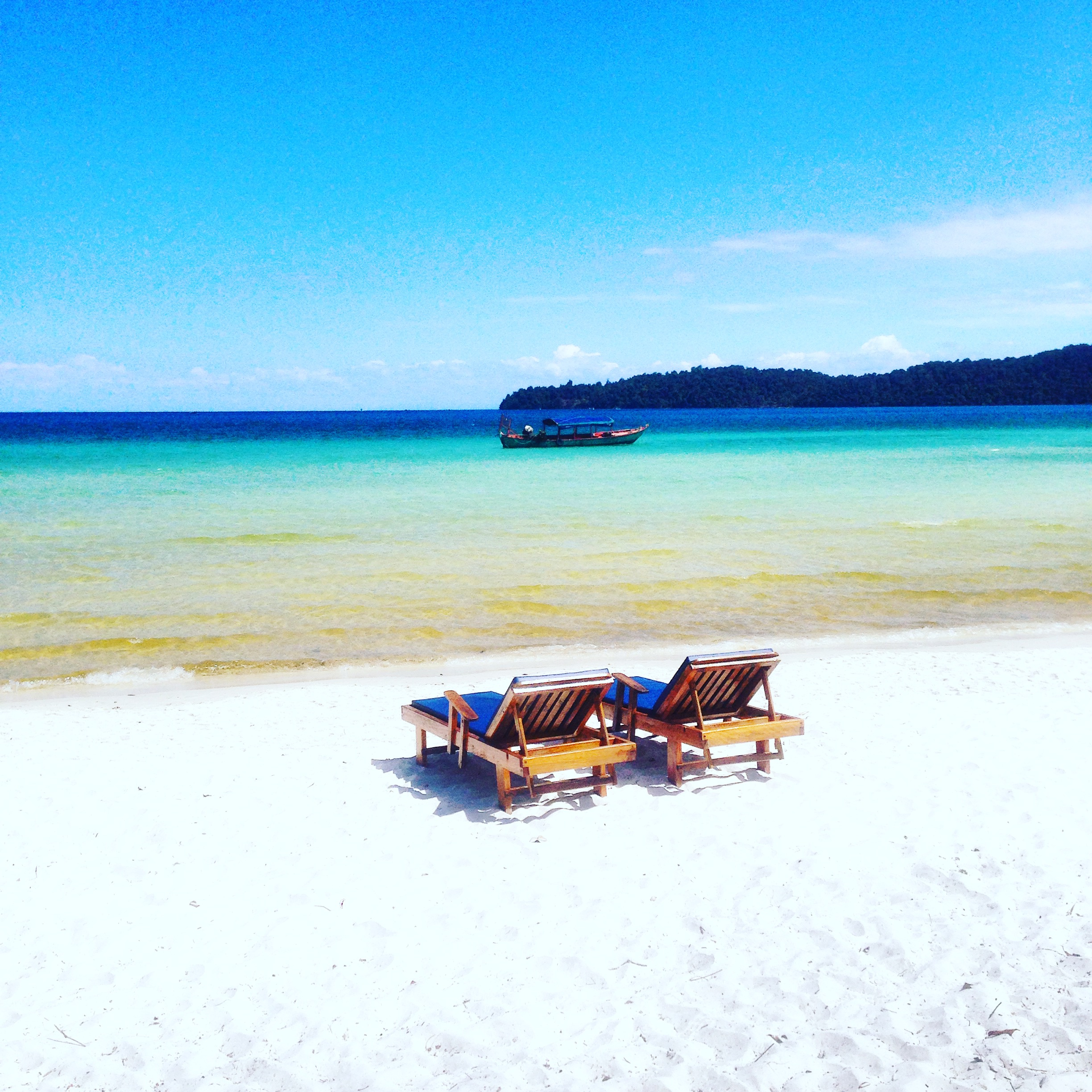Koh Rong Sanloem Cambodia: Tropical Bounty Island with White Sandy Beaches that Cut you off with Technology and the Rest of the World